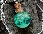 Pendant with reindeer moss, sphere necklace, moss necklace, epoxy resin