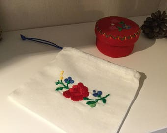 EnchDK embroidered jewelry case