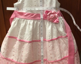 Jessica Ann size 6 eyelette lace and layers of petticoat, tie sash