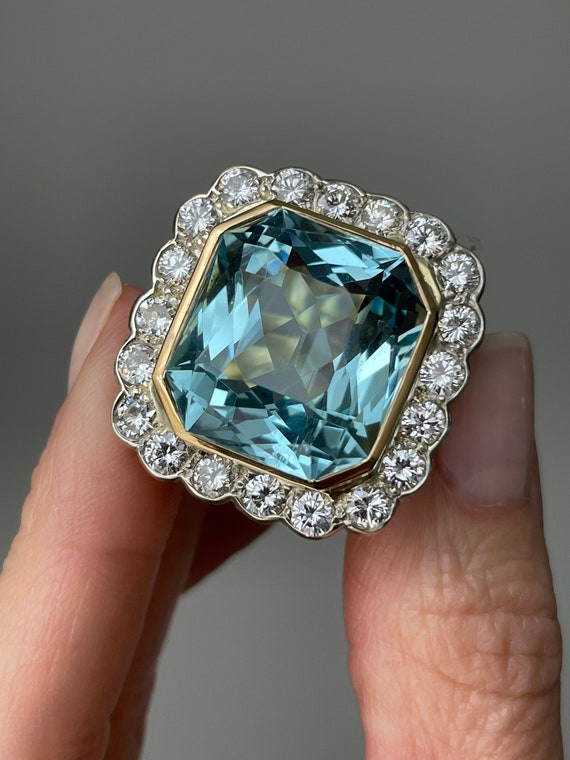 Vintage 14k Aquamarine and Diamond Cocktail Ring