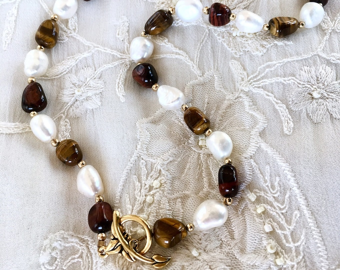 Cat's Eye and Pearls Necklace, Vermeil and Gemstones Necklace, Jewelry Set, Gemstones Earrings, Pearl Earrings