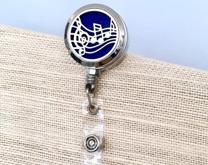Diffuser Badge Reel Holder, Aromatherapy Locket, Essential Oils ID Card Clip, Name Tag Clip On Diffuser