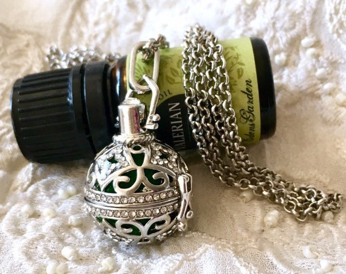 Diffuser Necklace, Aromatherapy Locket, Essential Oils Diffuser Necklace, Scent Locket