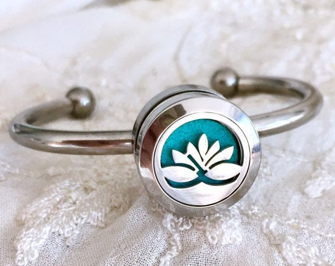 Aromatherapy Locket Bracelet, Diffuser Bracelet, Snap Button Cuff, Diffuser Snap Charm, Essential Oils Locket