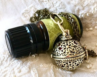 Essential Oils Diffuser Locket, Aromatherapy Necklace, Aromatherapy Locket, Perfume Pendant