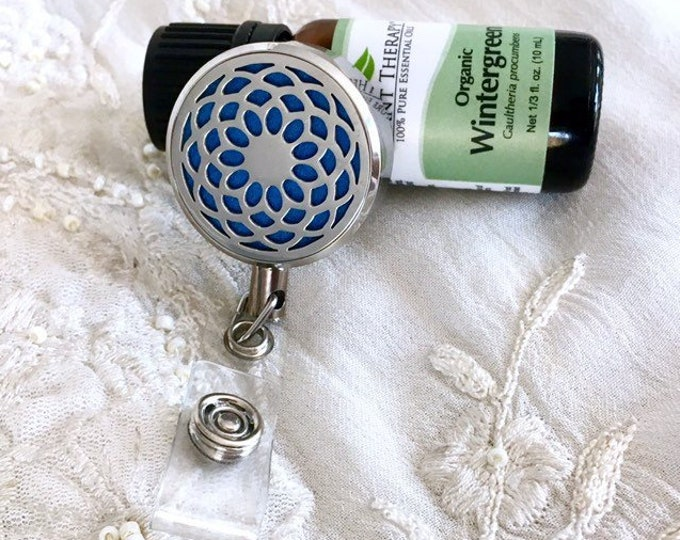 New Style Badge Reel Holder Diffuser, Aromatherapy Card ID Clip, Essential Oils Name Tag Clip On Locket, Mandala Lotus Design