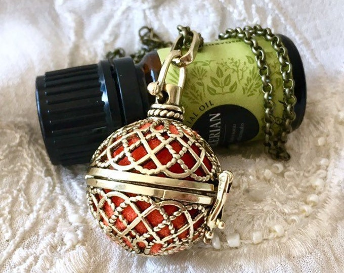 Aromatherapy Locket, Essential Oils Locket, Diffuser Pendant, Aromatherapy Necklce, Perfume Locket