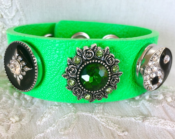 Green Leather Bracelet, Snap Charms, Noosa Style Bracelet, Snap Button Bracelet, Yin Yang Charm