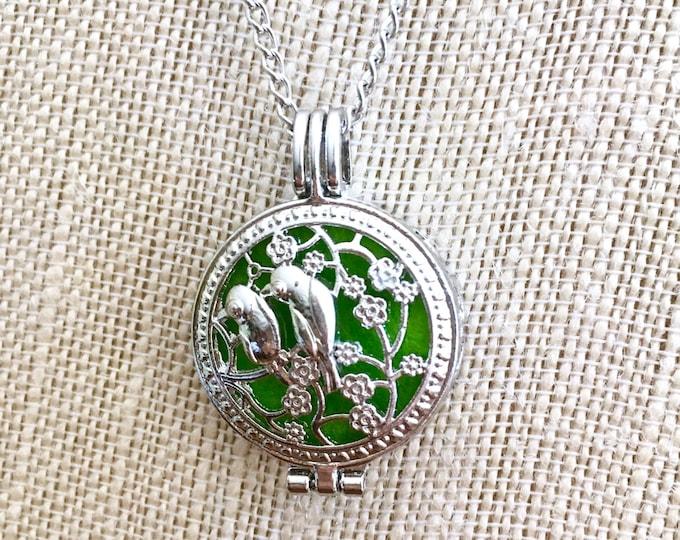 Essential Oils Necklace, Aromatherapy Locket, Birds Diffuser Necklace, Aromatherapy Pendant Necklace
