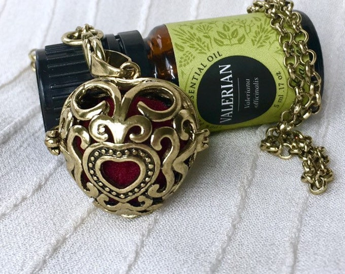Aromatherapy Necklace, Diffuser Locket, Essential Oils Diffuser Necklace, Heart Scent Locket