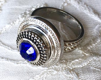 Petite Snap Button Ring, Mini Snap Chunk Ring, Size 8, Noosa Snap Ring