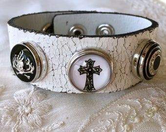 White Leather Bracelet, Noosa Style Bracelet, Snap Buttons, Snap Chunks, Snap Charm Bracelet,  Cross Charm