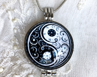 Aromatherapy Necklace, Diffuser Locket, Essential Oils Necklace, Yin Yang Locket