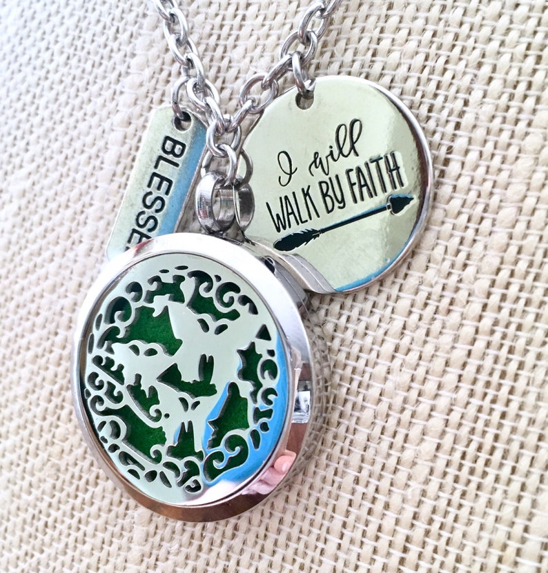 Aromatherapy Locket Oils Diffuser Locket Diffuser Necklace Butterflies Locket Essential Oils Necklace