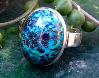 Chrysocolla and azurite cabochon ring