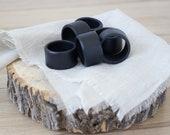 Set of 4 Black Napkin Rings, Rond de serviette