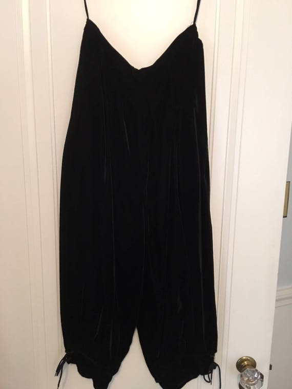 Ladies velvet knickers, skirt and shell - image 2