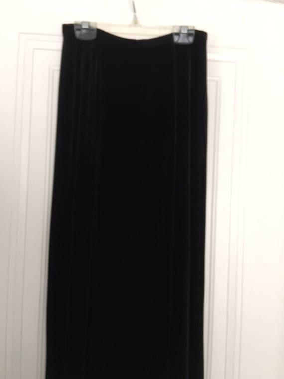 Ladies velvet knickers, skirt and shell - image 5