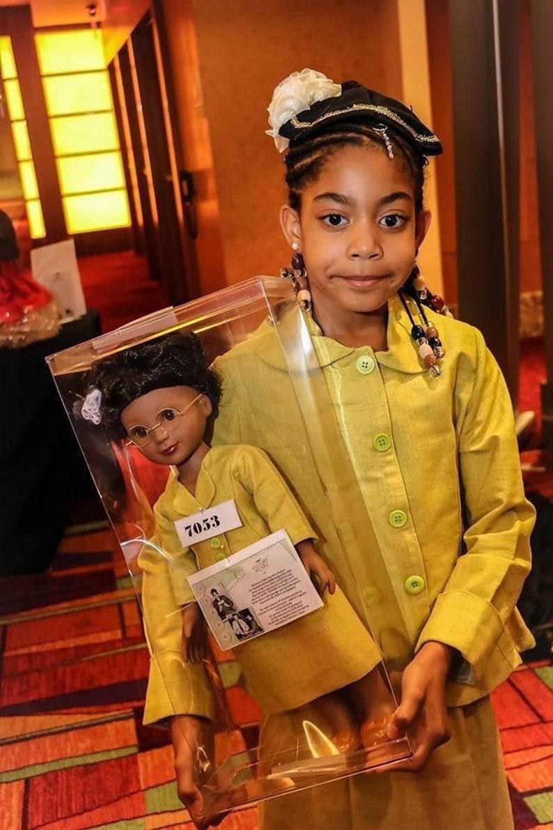Rosa Parks   Montgomery Bus Boycott suit costume  Historical image 0