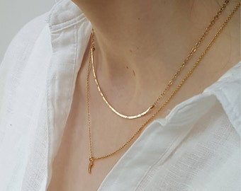 Gold Curved Choker  -  Delicate Hammered Gold Filled 0r Sterling Silver Layering Necklace  -  Dainty Minimal Gold Collar Choker
