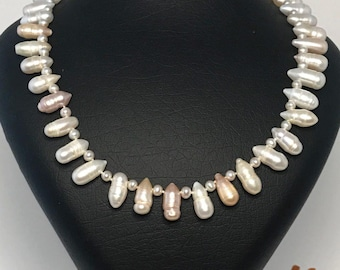 Baroque pearls, freshwater pearls Necklaces