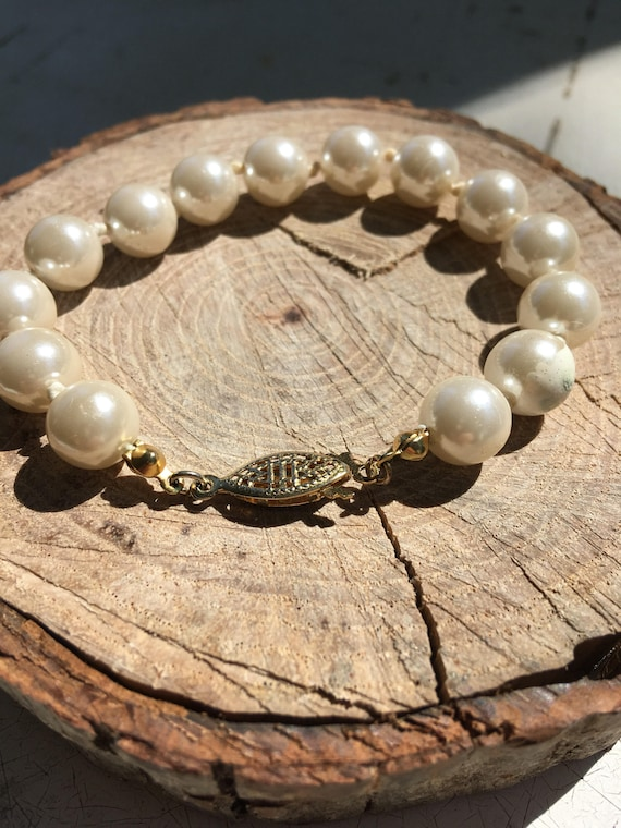 Pearl Bead Bracelet With Vintage Fish Hook Clasp Etsy