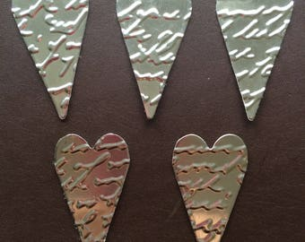 10th wedding anniversary/tin wedding/embossed tin hearts/embellishments/table decoration/scrap booking/card making/recycled coffee tin