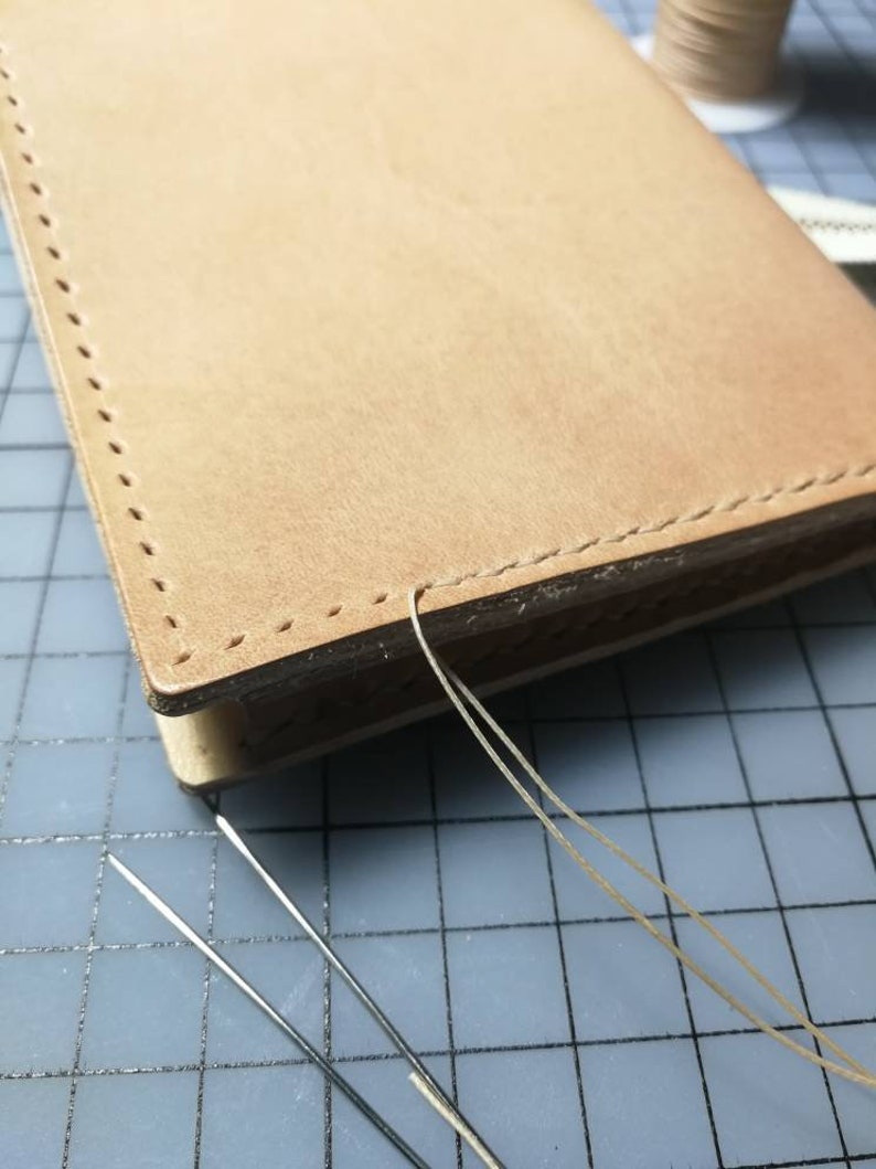 Veg tanned leather pouch 054