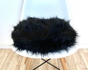 Black seat cushion round in faux fur - 6 cm height - plush - fabric - upholstered - seat cushion - pillow - chair - Eames chair