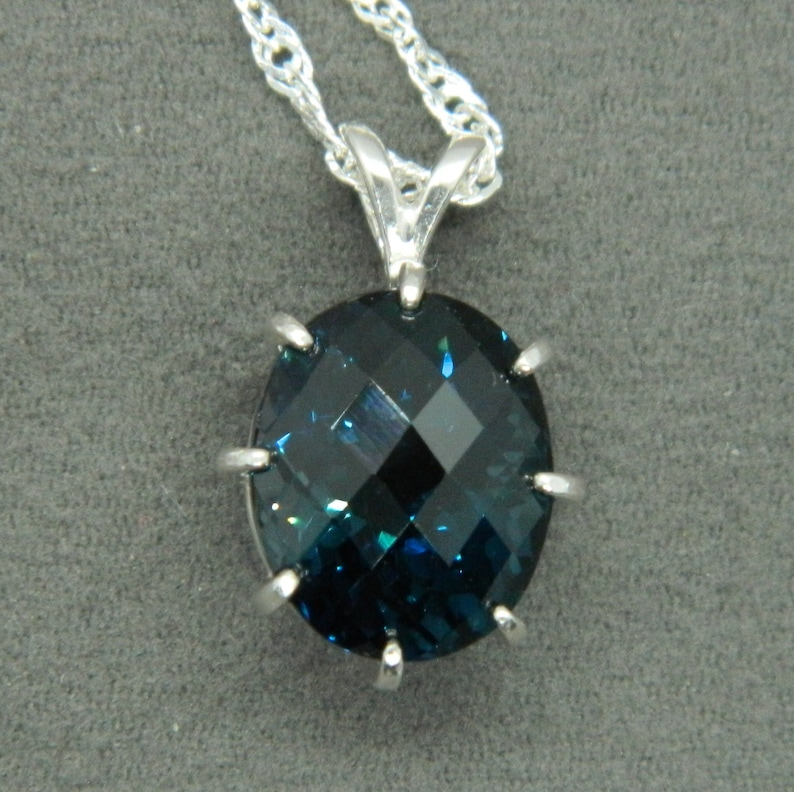 Bright Jewelry Oval Natural Champange Topaz Silver Necklace Pendant With Chain