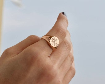 Family Signet Ring - Personalized Signet Ring - Signet Ring - Gold Signet Ring - Initial Signet Ring - Initial Ring - Valentine's Day Gift