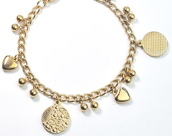 Beautiful bracelet made of 18K gold-plated stainless steel flowers motiv, beads. Particularly stable and adjustable in length.