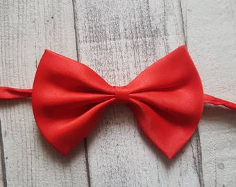 Adjustable bow tie, red dog bow tie, Dog bow tie, bow tie, adjustable pet bow tie, satin bow tie, cat bow tie, collar bow tie, pet bow tie,