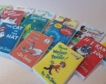 12 Edible Mini Dr. Seuss Books on Marshmallow Fondant
