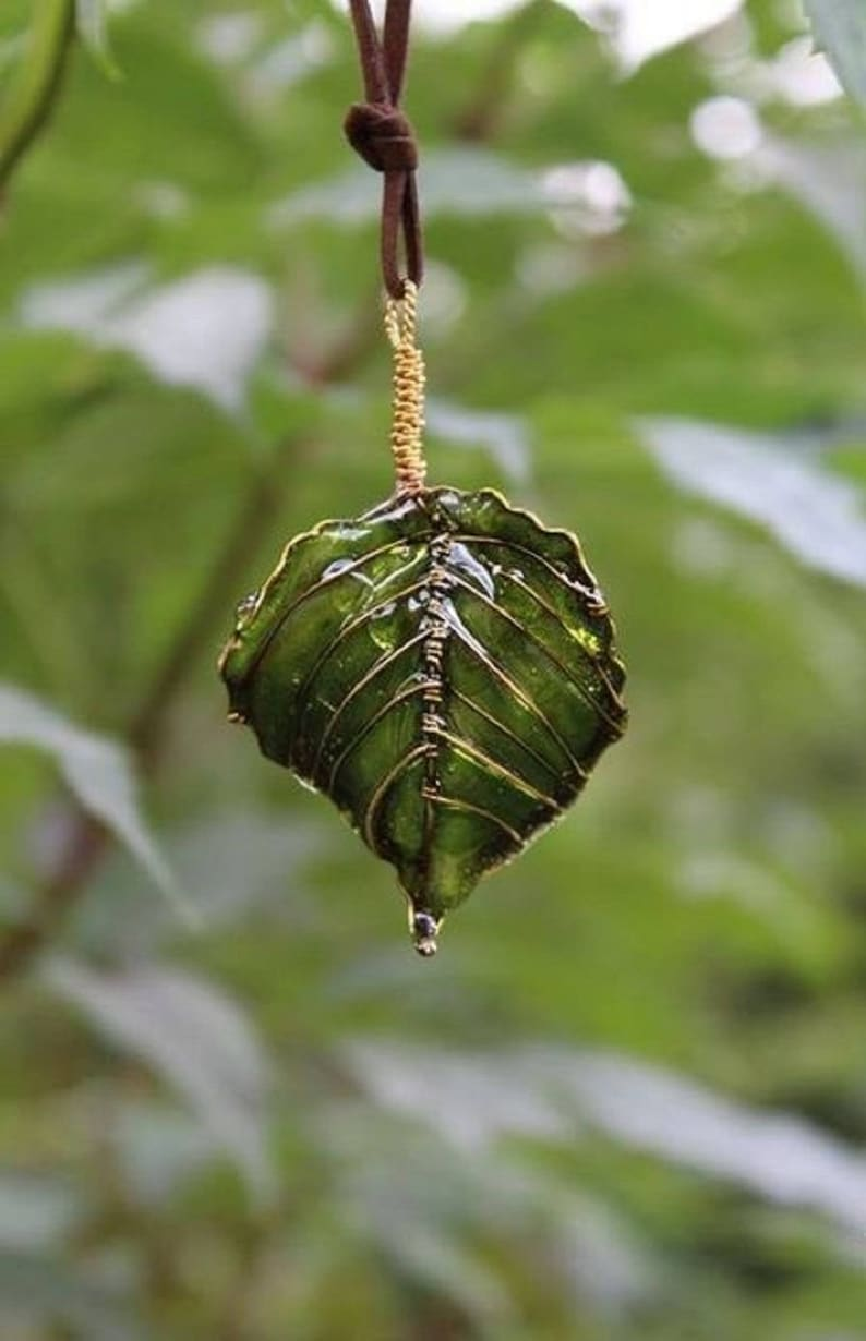 Leaf  Necklace  Leaf jewelry Pendant transparent Nature pendant Everyday Pendant Green necklace Real leaf Unusual Jewelry Gift for christmas