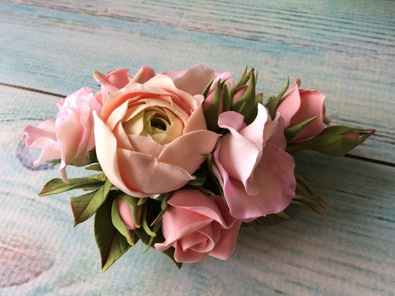 Ranunculus and roses floral hair comb. Dusty rose wedding bridal hair piece with blush pink flowers hair vine