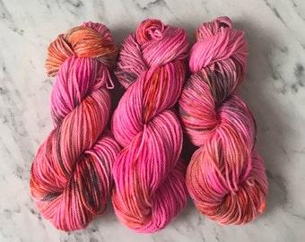 "Worsted 3 ply wool yarn Roberta Rae Michigan ""Blazing Pink"""