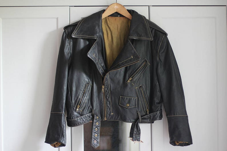 LARGE Vintage leather biker jacket in black color from 80s Retro jacket with grunge look and zips