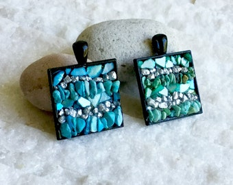 Pendant necklace, two colors to choose from (blue and green), mini mosaic of natural stones and mother-of-pearl shards, unique creation