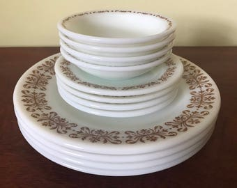 Set of 4 Pyrex Tableware Dinner Plates Bread Plates u0026 Fruit Bowls : pyrex dinnerware - pezcame.com