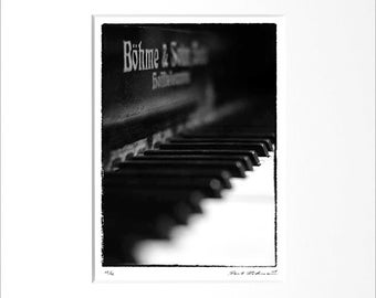 """Danilo Böhme """"Piano"""", Black and White Photography, FineArt Print in Passepartout, Original, Vintage Print, Limited, Signed"""