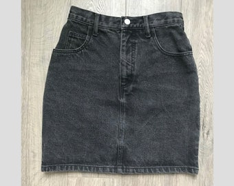 558916d8a9555 Guess by Marciano Vintage High Waisted Denim Skirt - Dark Black Wash - Size  26 27 28 - Pencil Mini 5 Pocket Jean 80s 90s style grunge punk