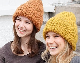 Hand-knitted hipster cap in desired color - 100% wool - coarse knit - unisex - beanie