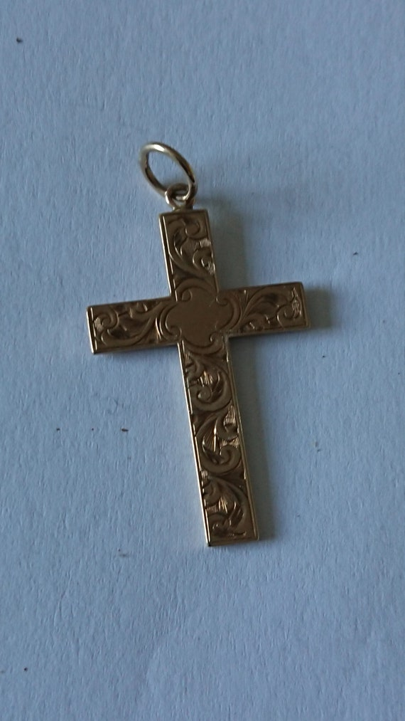 Gorgeous, vintage gold cross, 9ct gold