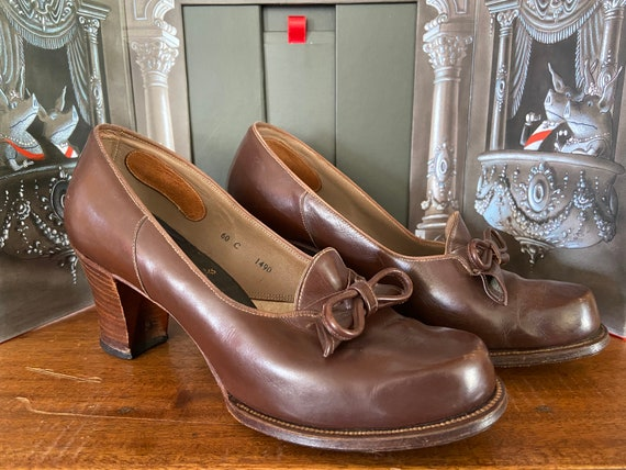Vintage brown leather shoes 1930s