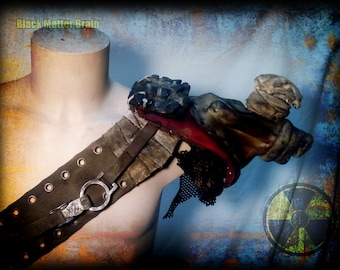 Gas mask shoulder pad-post apocalyptic shoulder pad-cat skull-Pain gas mask-Wasteland Warrior