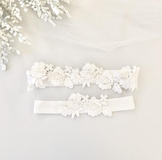 White Wedding Garter: Wedding Garter WHITE Bridal Garter Lace Garter Wedding