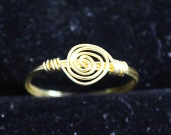 Gold Swirl Ring Size 7