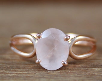 Genuine Rose Quartz 10x14mm Pear /& .925 Silver Plated Handmade Solitaire Rings