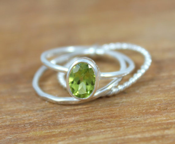 Jewels House Peridot Cut Oval Gemstone Silver Plated Handmade Statement Ring US-7